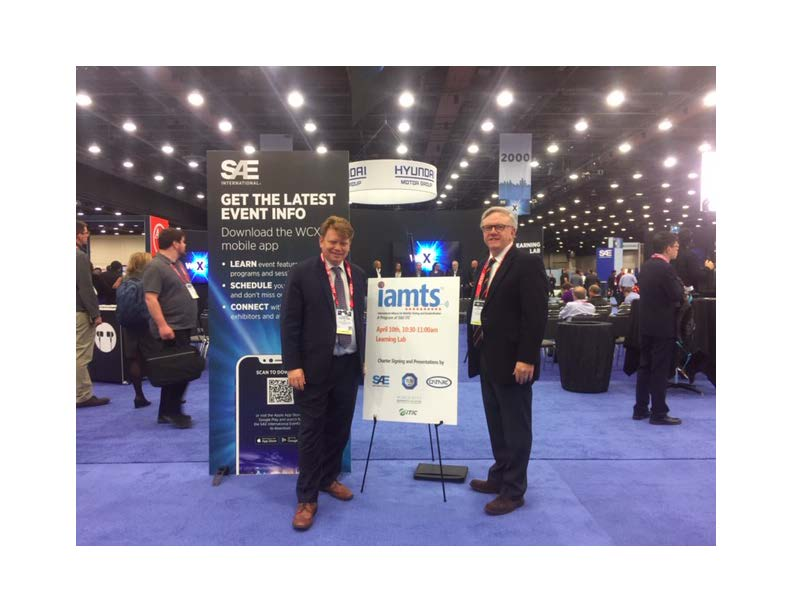 ITIC Chief Technology Officer Dr. Joachim Taiber (L) and Executive Director Jody Bryson (R) at the announcement of the International Alliance for Mobility Testing & Standardization (IAMTS) in Detroit.
